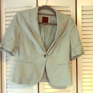 Limited short-sleeve jacket